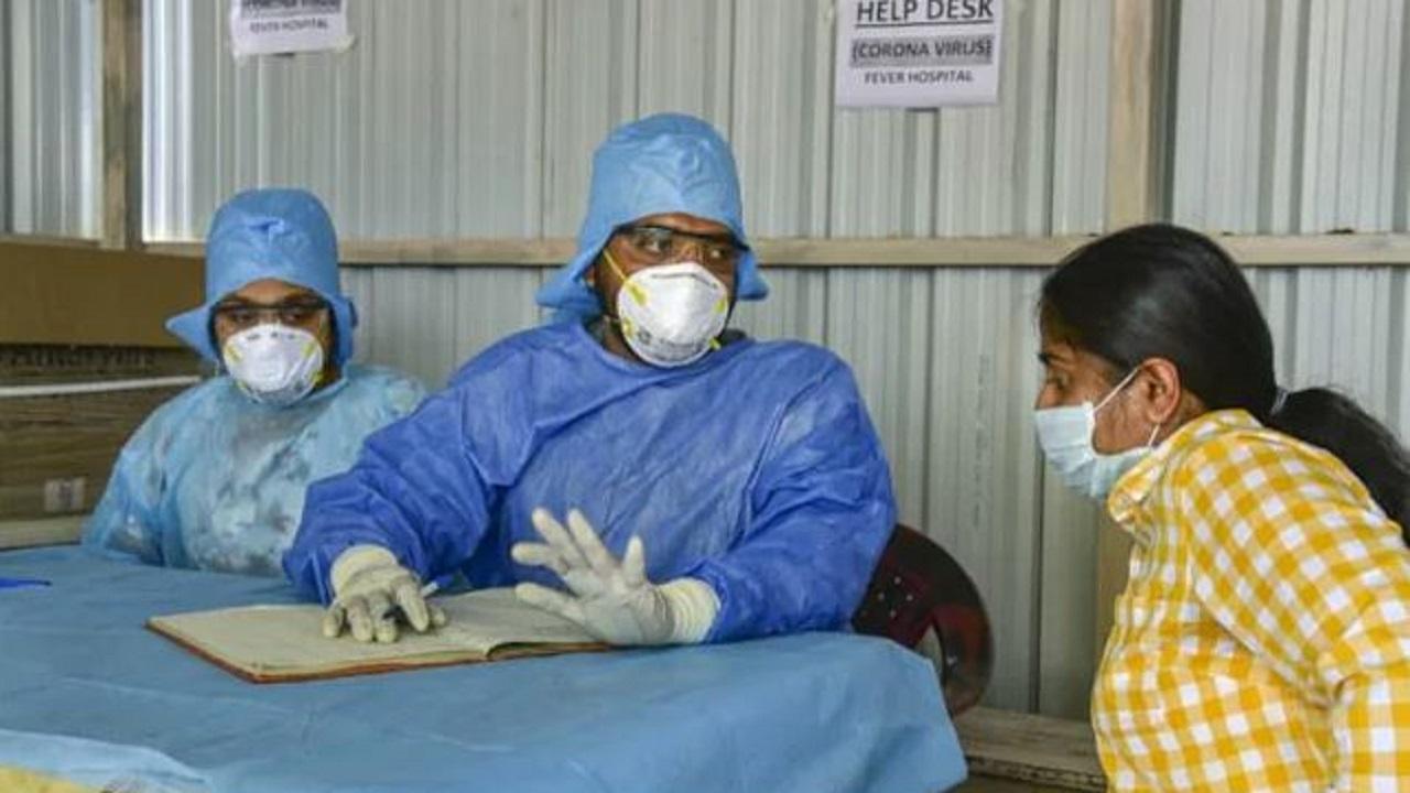 Coronavirus: देश में बीते 24 घंटे में आए 2,59,170 नए कोरोना केस, दिल्ली में 240 मरीजों की मौत