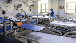 राजधानी दिल्ली में कोरोना से बिगड़ रहे हालात, 50 से भी कम हैं ICU बेड्स
