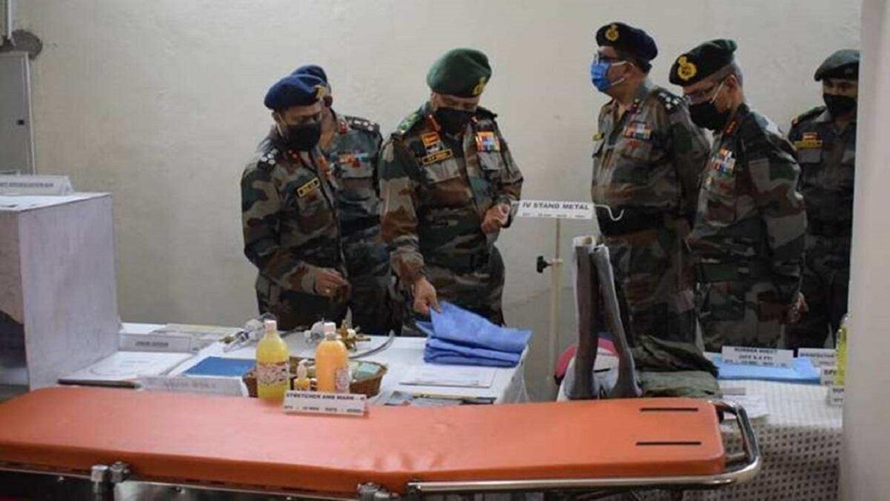 दिल्ली सरकार ने आर्मी हॉस्पिटल के साथ किया भेदभाव, ऑक्सीजन कोटे में की 50 फीसदी की कटौती
