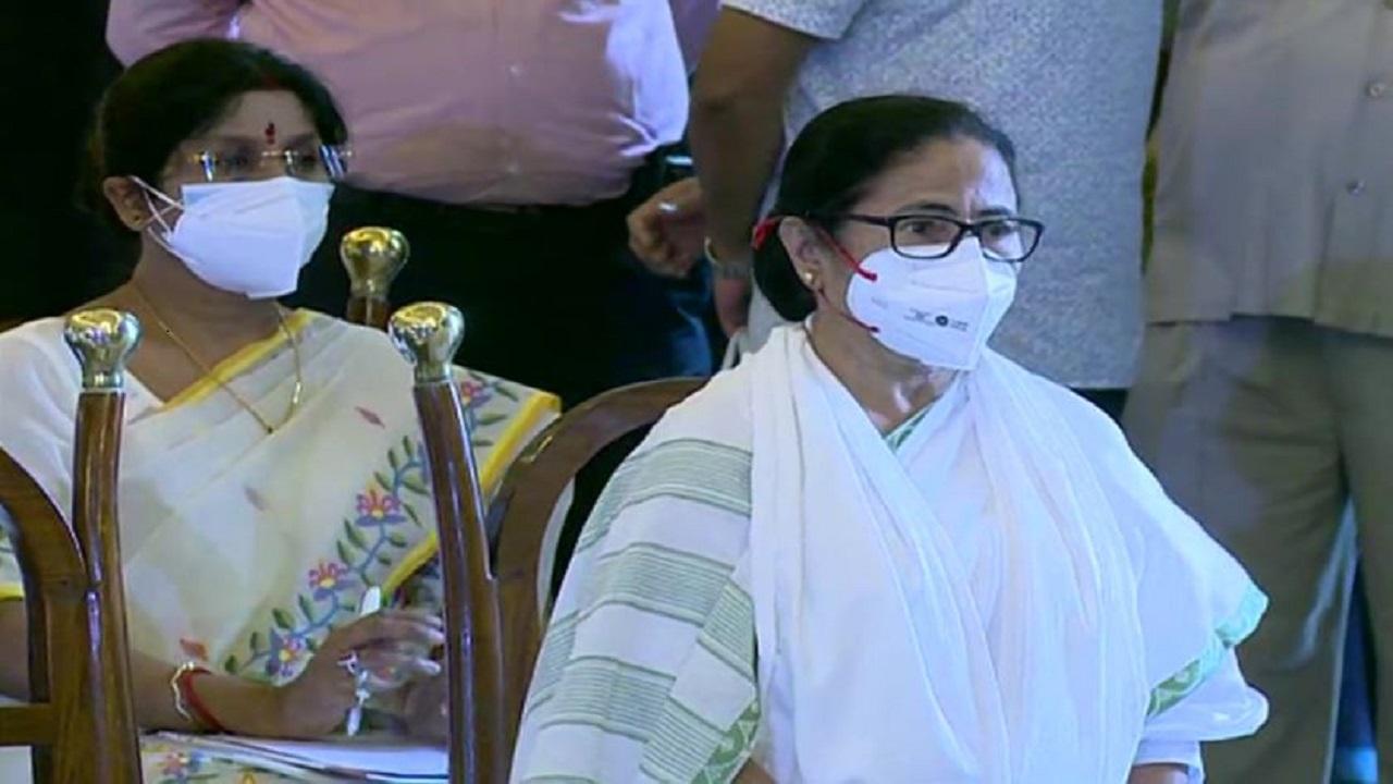 West Bengal: ममता कैबिनेट के 43 मंत्रियों ने ली शपथ, 8 महिलाएं भी शामिल