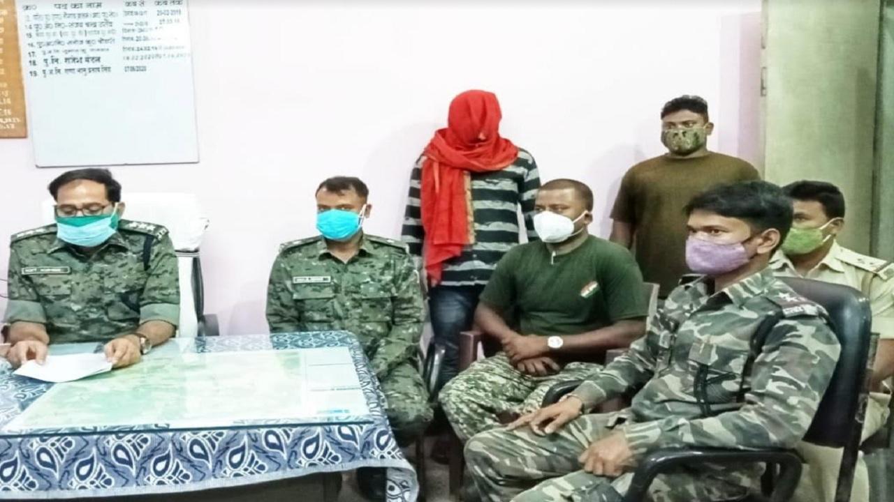 झारखंड: TPC का एरिया कमांडर और एक लाख का इनामी नक्सली राकेश साव गिरफ्तार, बालूमाथ पुलिस ने की कार्रवाई