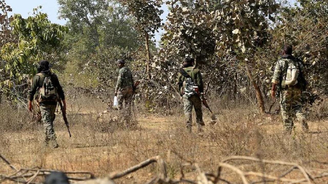 Jharkhand: नक्सलियों पर नकेल कसने की तैयारी, लातेहार में जल्द लॉन्च होगा बड़ा एंटी नक्सल ऑपरेशन