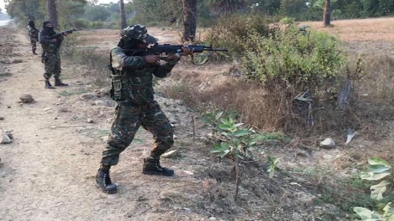 महाराष्ट्र: गढ़चिरौली में 13 नक्सलियों को मौत के घाट उतारने वाले जांबाज C-60 कमांडोज के बारे में कितना जानते हैं आप?