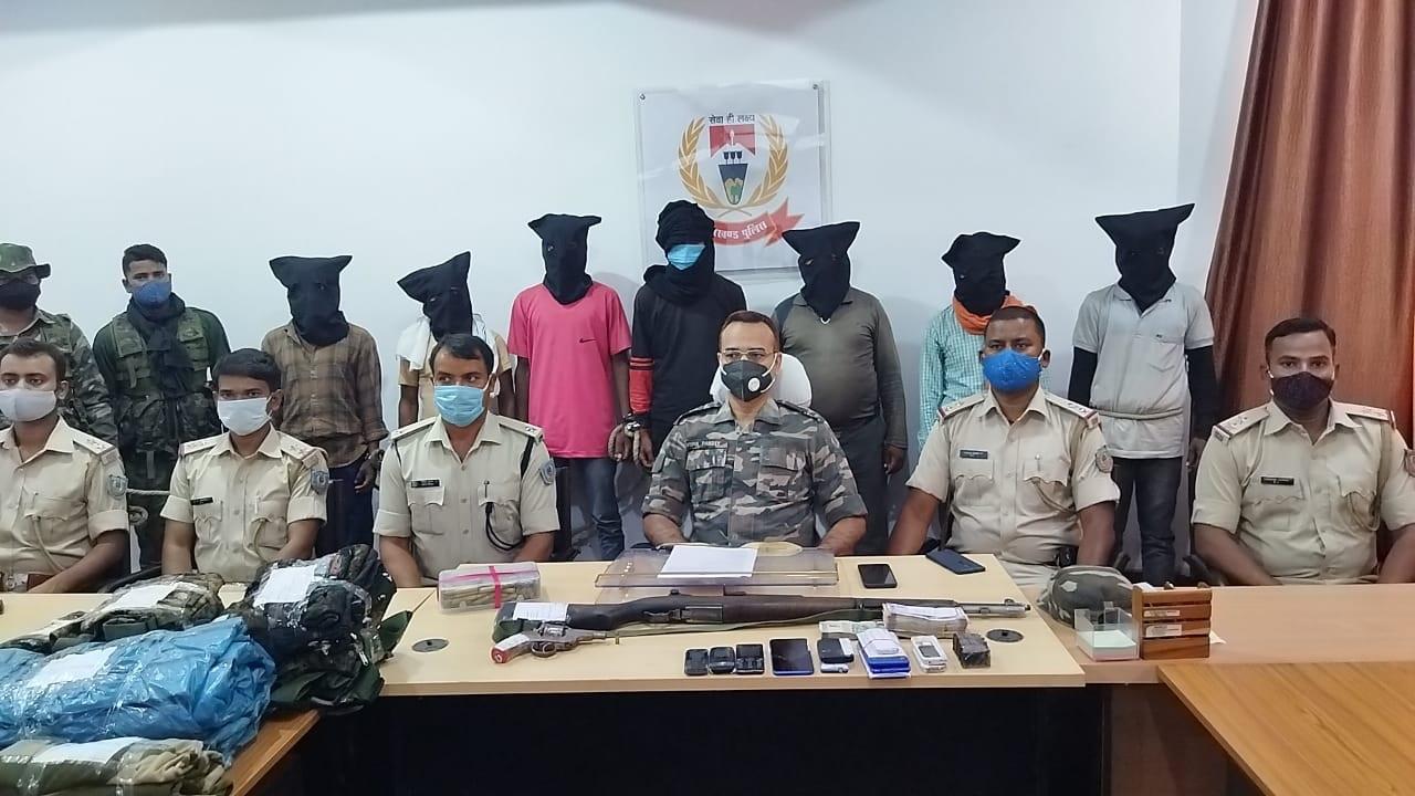 झारखंड: लातेहार पुलिस को मिली बड़ी सफलता, एक लाख के इनामी समेत TPC के 7 नक्सली गिरफ्तार