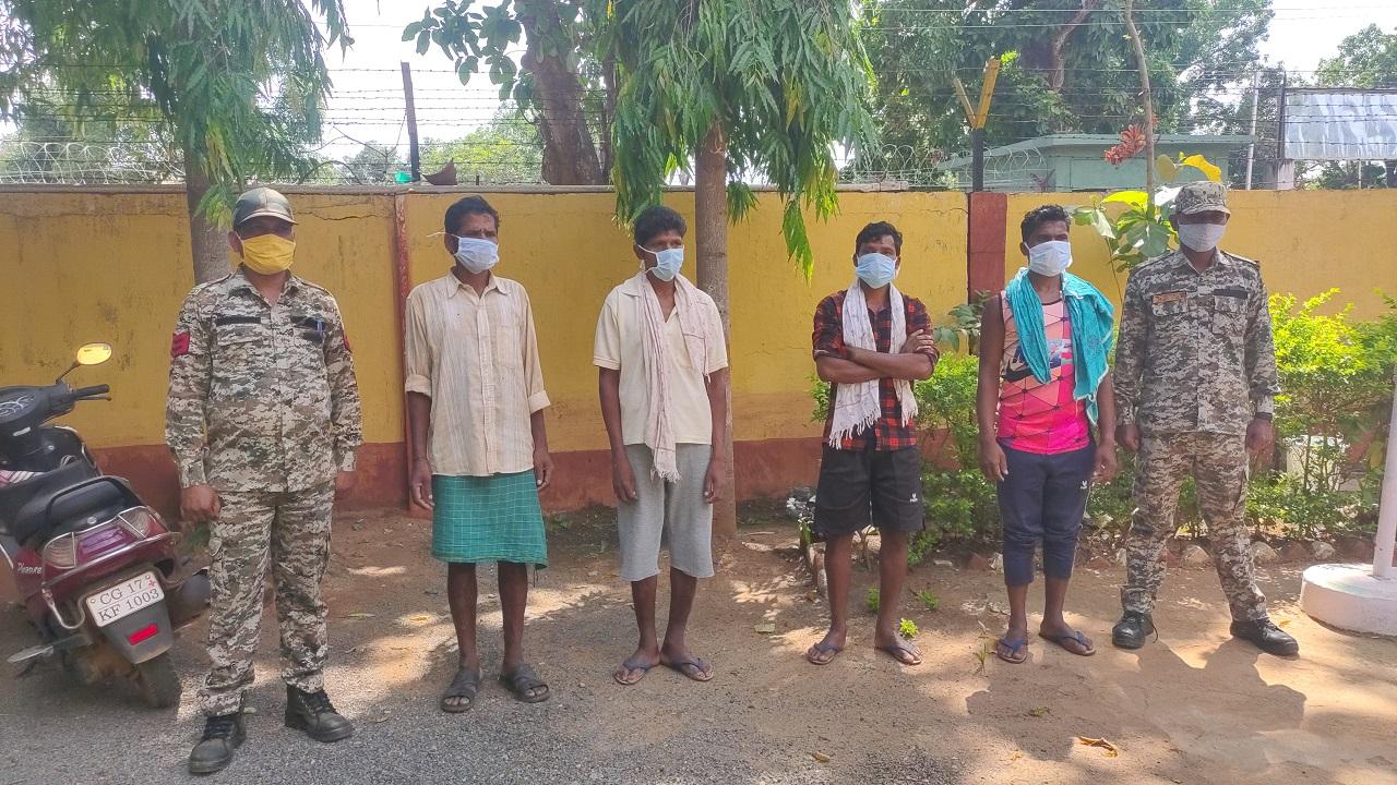 छत्तीसगढ़: नारायणपुर में सुरक्षाबलों को मिली बड़ी कामयाबी, तीन इनामी सहित 4 नक्सली गिरफ्तार
