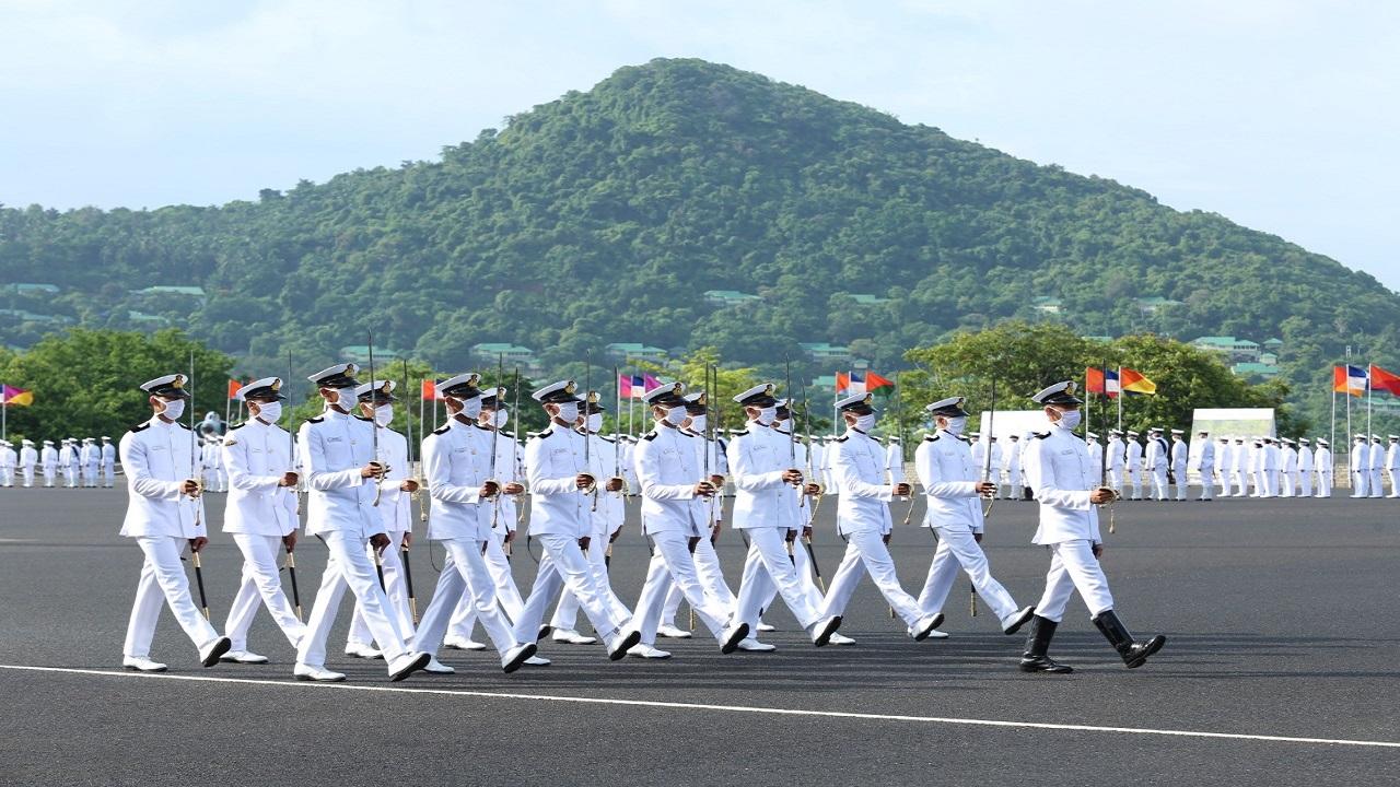Indian Navy Recruitment 2021: नौसेना में बनें अधिकारी, इन पदों पर निकली भर्ती; कल है आवेदन की आखिरी तारीख
