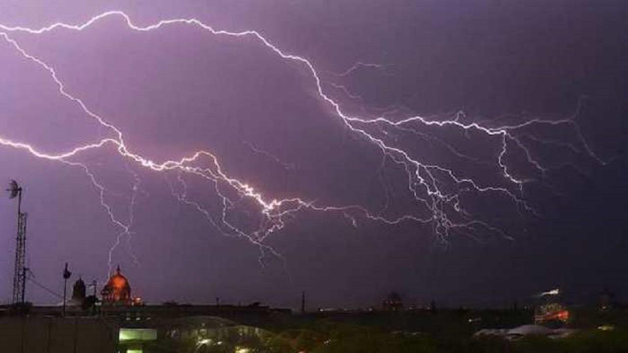 पश्चिम बंगाल के तीन जिलों में आकाशीय बिजली का कहर, 26 लोगों की मौत और दो दर्जन घायल