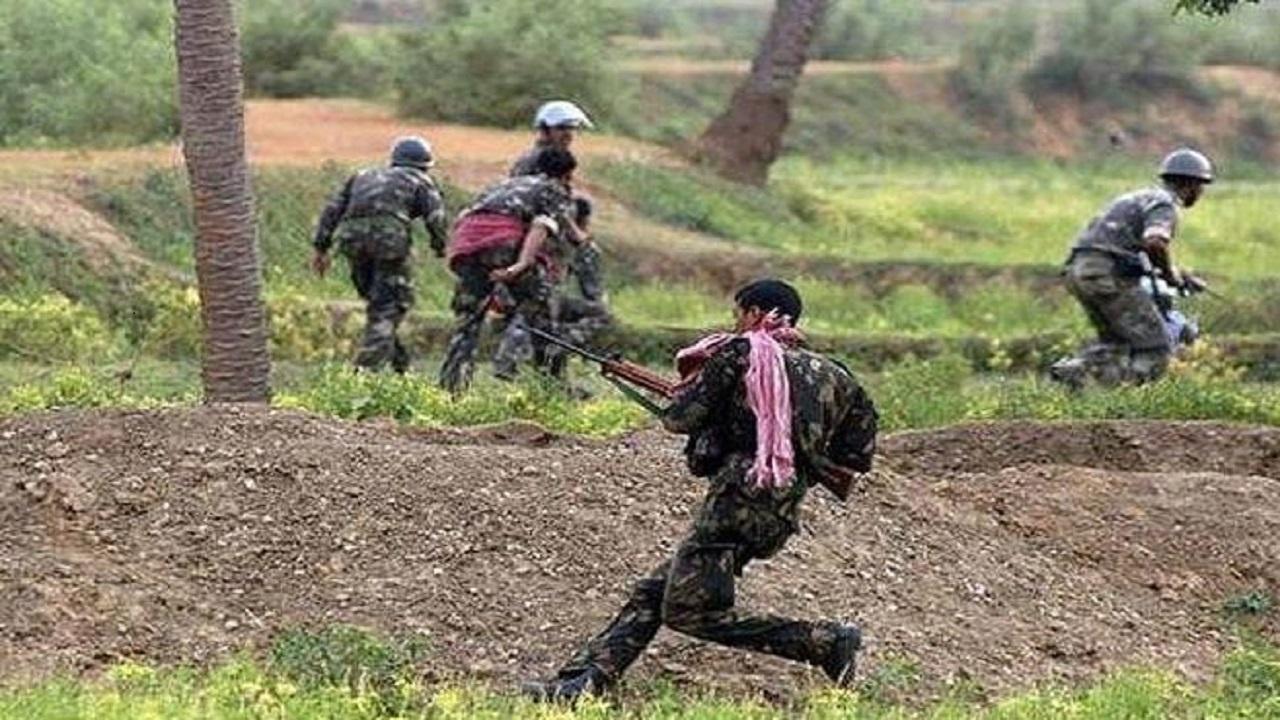 छत्तीसगढ़-तेलंगाना सीमा पर नक्सली मुठभेड़, जवानों ने 3 नक्सलियों को मार गिराया