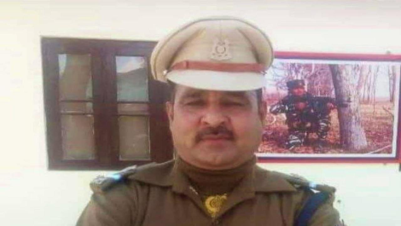 जम्मू कश्मीर: श्रीनगर में हुए आतंकी हमले में जवान शेर सिंह जाटव शहीद, सीने में लगी गोली
