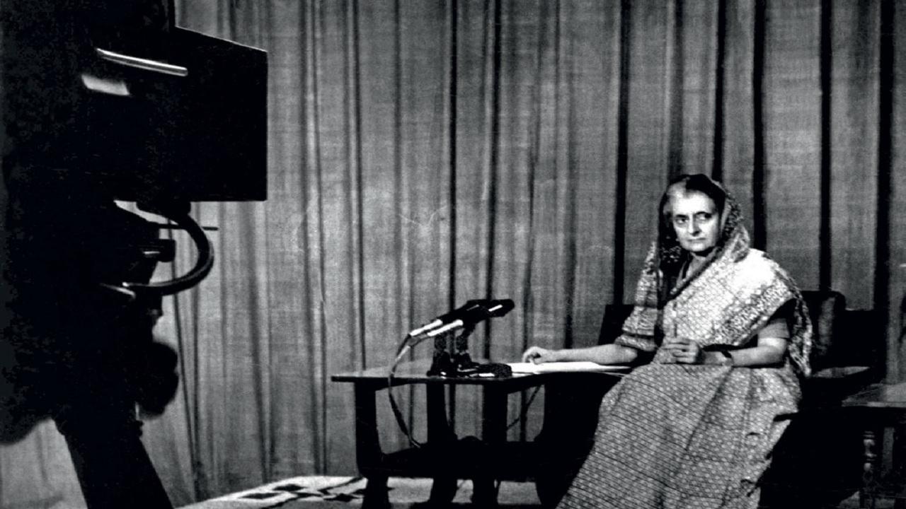 25 जून 1975: 46 साल पहले इंदिरा गांधी ने लगाई थी इमरजेंसी, यहां जानें इनसाइड स्टोरी