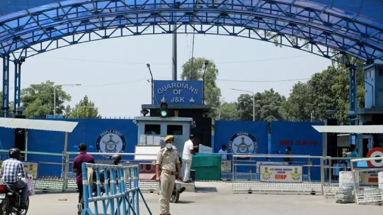 जम्मू एयर फोर्स स्टेशन ड्रोन हमले में खुलासा, पाक सेना की मदद से लश्कर के आतंकियों ने दिया हमले को अंजाम!
