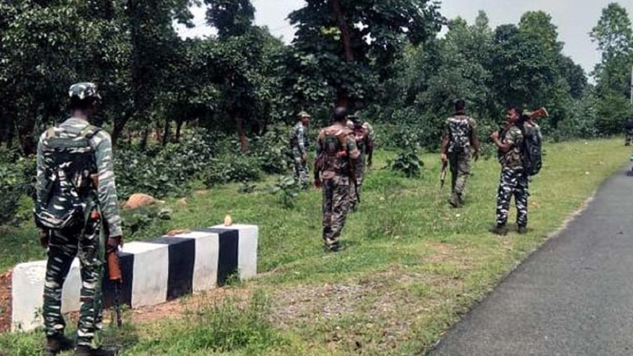 झारखंड: गिरिडीह में बड़ी नक्सली घटना विफल, सुरक्षाबलों ने 10 किलो का कैन बम बरामद कर डिफ्यूज किया