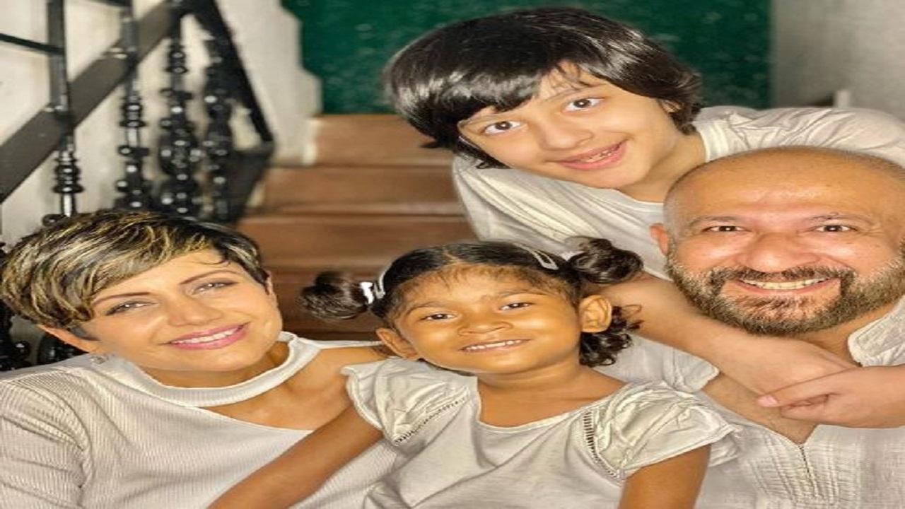 बॉलीवुड अभिनेत्री मंदिरा बेदी के पति राज कौशल का निधन, पड़ा था दिल का दौरा