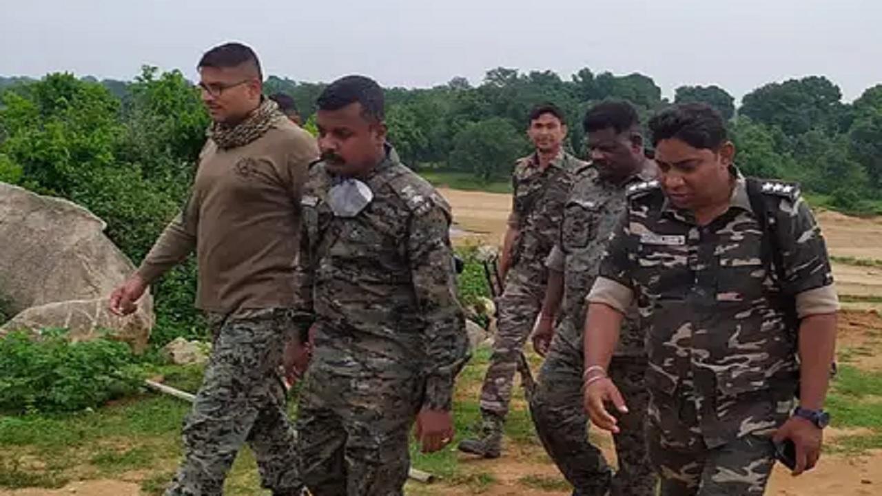 Jharkhand: 'ऑपरेशन चक्रव्यूह' के बंद होने के बाद दूसरा एंटी नक्सल ऑपरेशन लॉन्च करने की तैयारी में गुमला पुलिस, ये नक्सली होंगे रडार पर