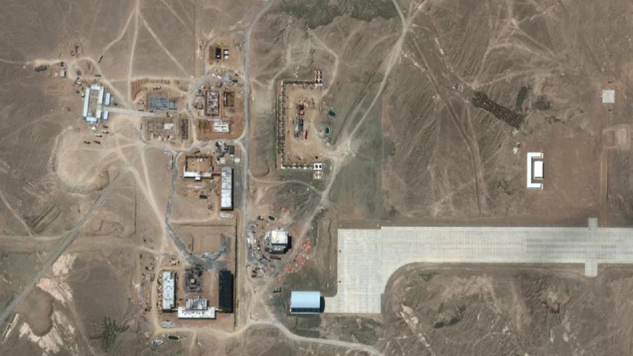 चीन के 'सीक्रेट मिशन' का खुलासा, भारतीय एयरबेस से 1,300 किलोमीटर दूर बना रहा 'एरिया-51'