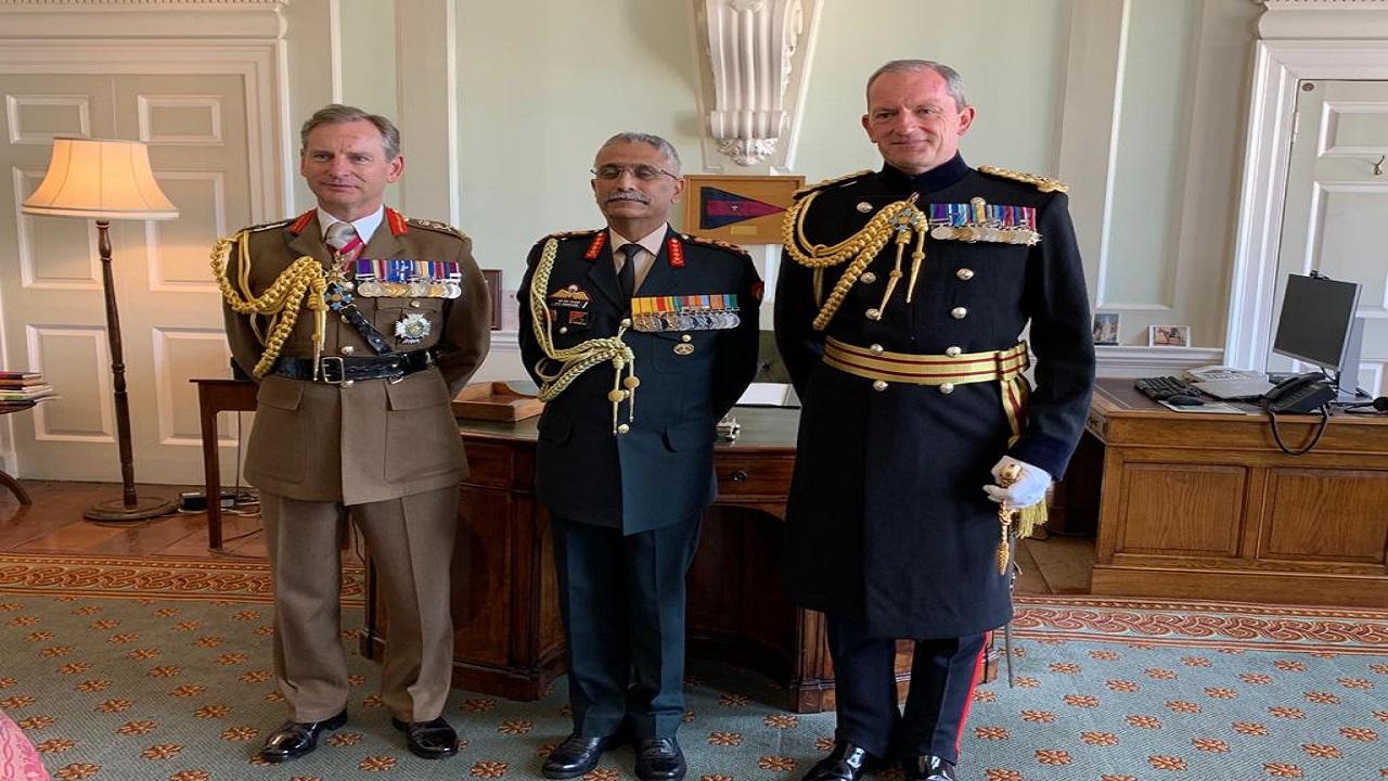 ब्रिटिश सेना के चीफ ऑफ जनरल स्टाफ से मिले आर्मी चीफ जनरल एम एम नरवणे, देखें PHOTOS