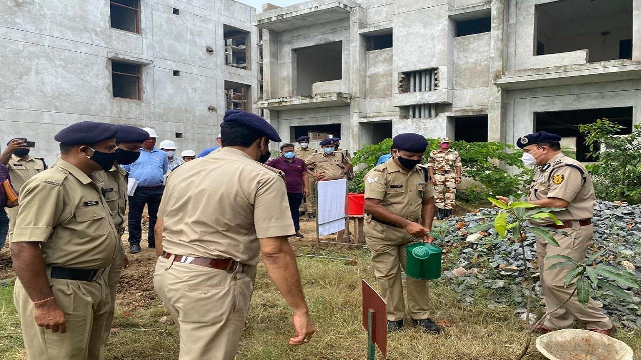 ITBP पूर्वी कमान के एडीजी अमृत मोहन प्रसाद ने किया केएलपी एसएचक्यू का दौरा, देखें PHOTOS