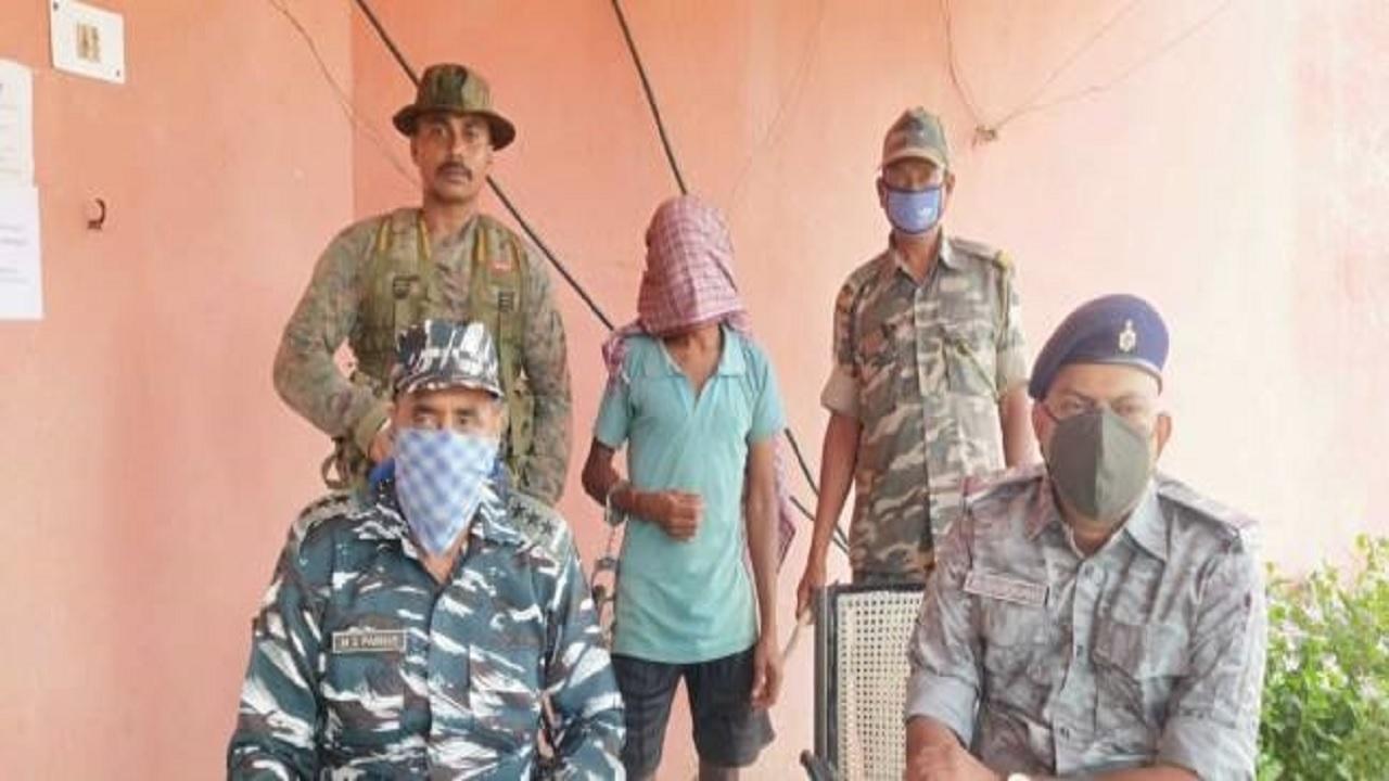 झारखंड: 16 साल से फरार नक्सली की गिरफ्तारी के बाद की जा रही पूछताछ, कई राज सामने आने की उम्मीद