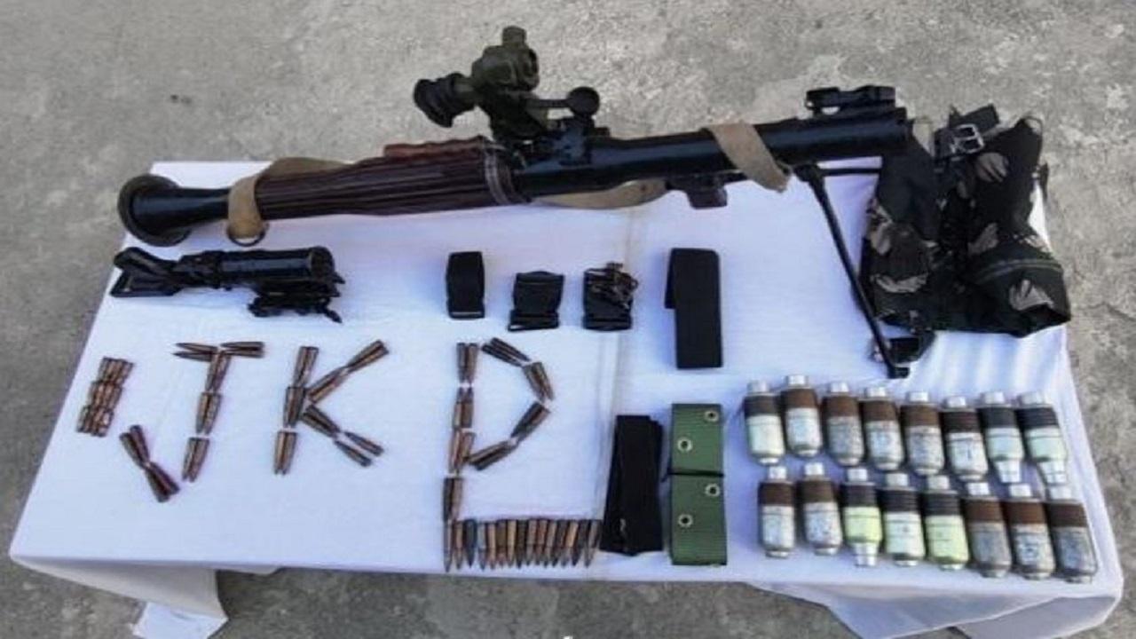 Jammu Kashmir: सोपोर में हिजबुल मुजाहिद्दीन के ठिकाने का भंडाफोड़, ओवर ग्राउंड वर्कर गिरफ्तार; भारी मात्रा में हथियार भी बरामद