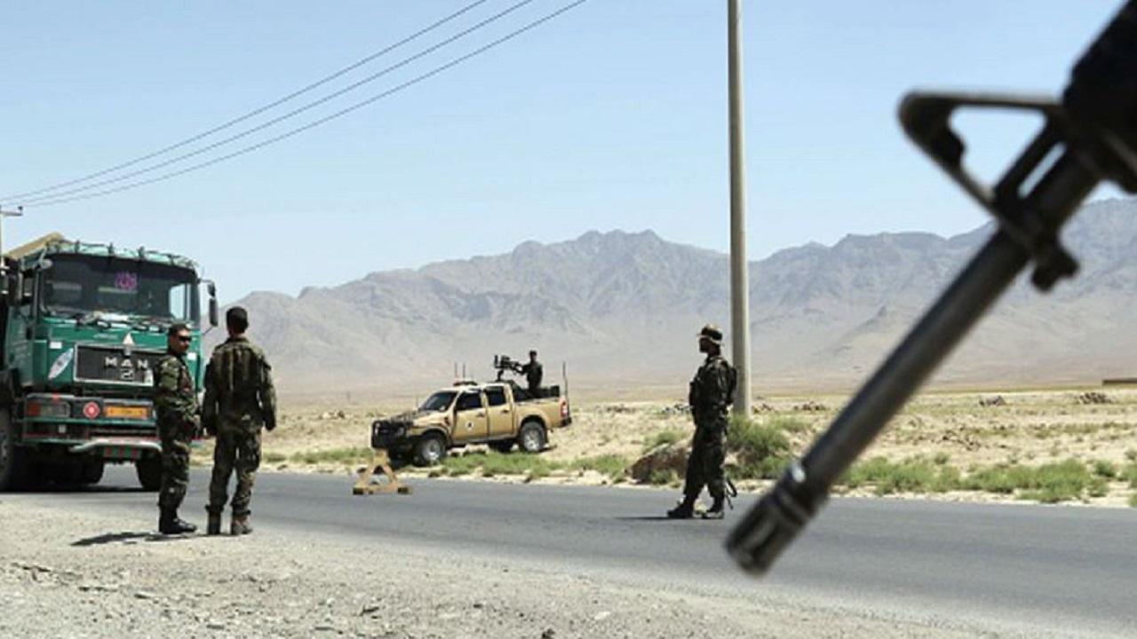 अफगानिस्तान में बिगड़ रहे हालात, भारत ने कंधार दूतावास से अपने कर्मचारियों को वापस बुलाया