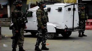 जम्मू कश्मीर: पंपोर में आतंकी मुठभेड़, एक दहशतगर्द ढेर; लश्कर के टॉप कमांडर उमर मुश्ताक को जवानों ने घेरा