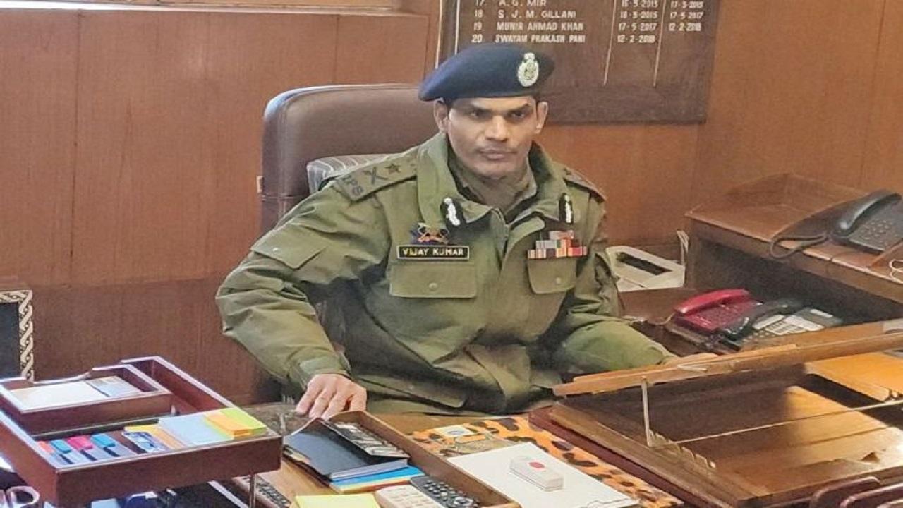 जम्मू कश्मीर: घाटी में आतंकी सिंडिकेट का खुलासा, 5 लोग गिरफ्तार