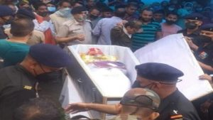 हिमाचल प्रदेश: शहीद कमल देव का राजकीय सम्मान के साथ अंतिम संस्कार, ताबूत पर सजाया गया था दूल्हे का लिबास