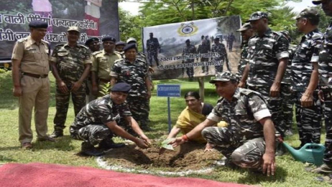 बिहार: सिर्फ नक्सलियों से ही लोहा नहीं ले रहे CRPF के जवान, पर्यावरण संरक्षण में भी दे रहे अहम योगदान