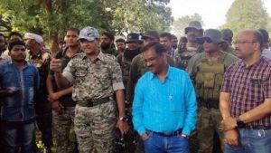 Dantewada: पुलिस ने शुरू किया नक्सल प्रभावित इलाकों का सर्वे, पूछा जा रहा ये सवाल