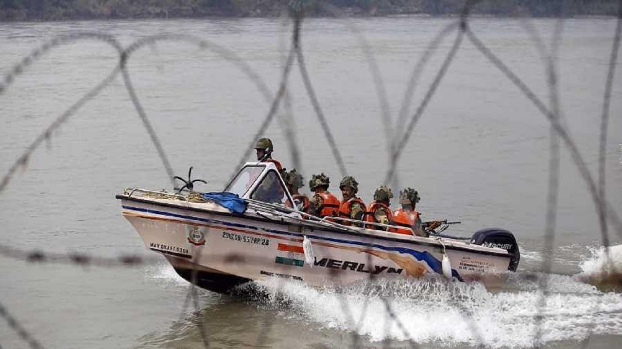 जम्मू कश्मीर: अखनूर इलाके में एक बड़ा सैन्य हादसा टला, नदी में अभ्यास कर रहे 5 जवानों की नाव पाकिस्तान पहुंची