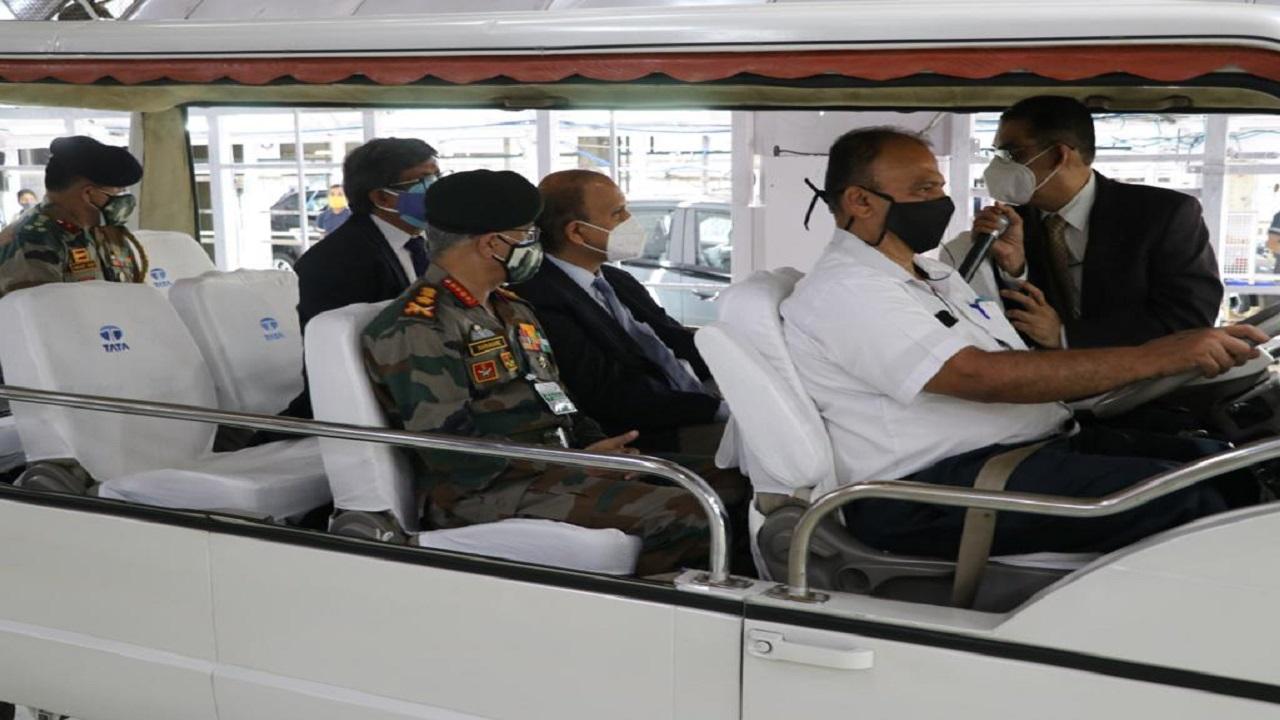 सेना प्रमुख जनरल एमएम नरवणे ने दक्षिणी कमान का दौरा किया, देखें PHOTOS