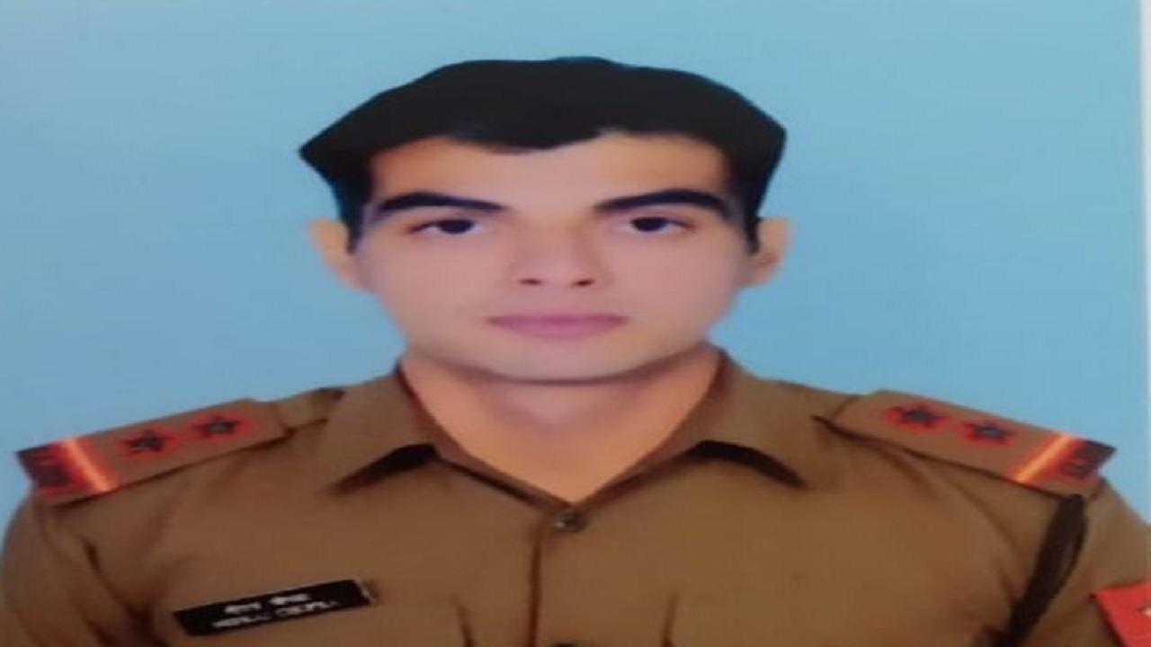 भारतीय सेना में सूबेदार हैं ओलंपिक में गोल्ड मेडल जीतने वाले नीरज चोपड़ा, सेना प्रमुख ने दी बधाई