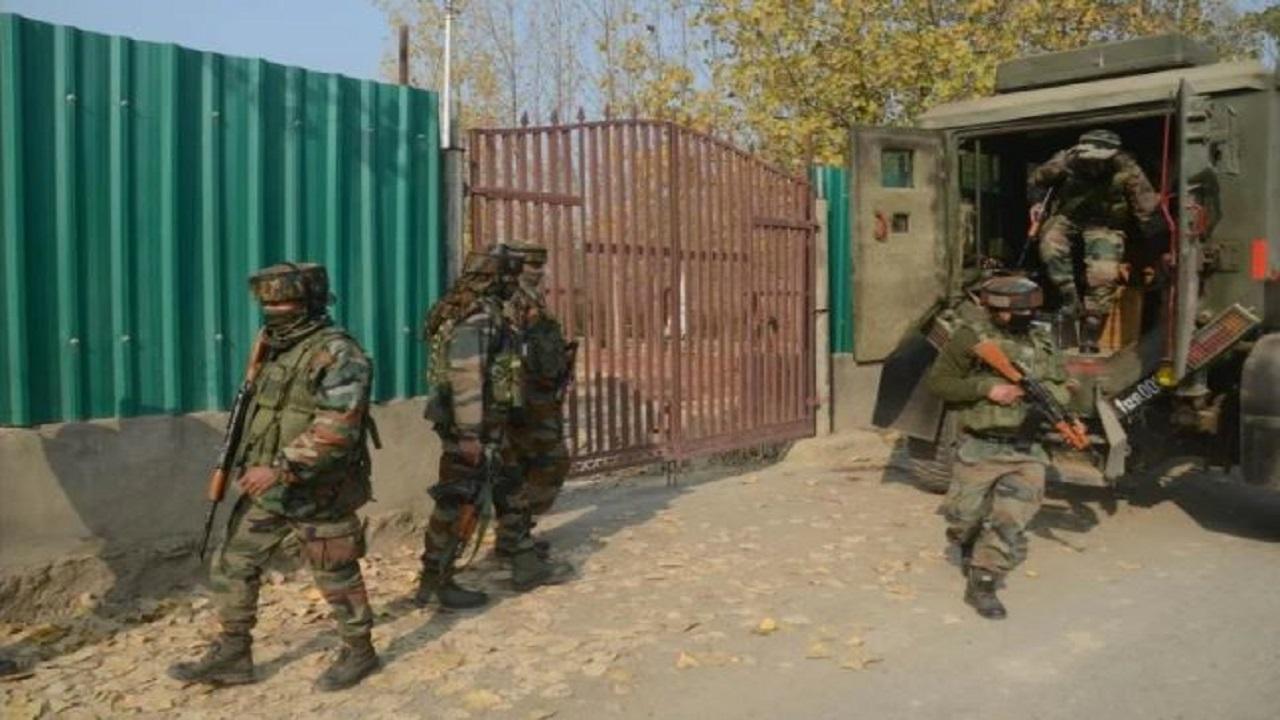 जम्मू-कश्मीर: शोपियां में CRPF की टीम पर आतंकी हमला, एक जवान घायल
