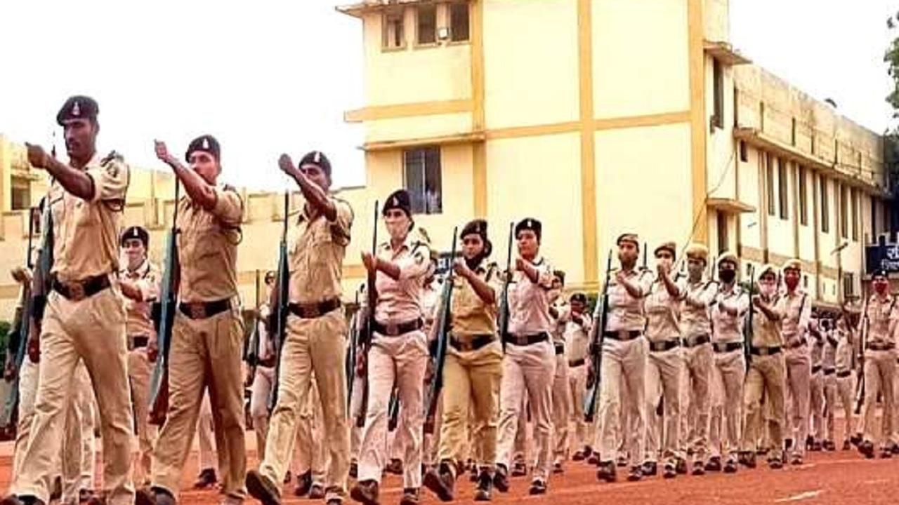 छत्तीसगढ़: स्वतंत्रता दिवस की परेड में शामिल होंगे सरेंडर करने वाले 44 नक्सली, दी जा रही पुलिस ट्रेनिंग