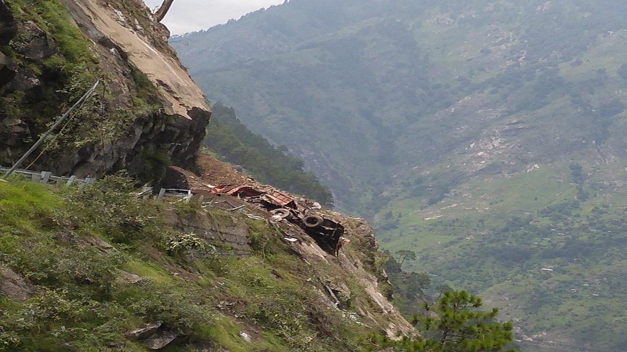हिमाचल प्रदेश: किन्नौर में हुई भीषण लैंडस्लाइड, रेस्क्यू के लिए Indian Army ने संभाला मोर्चा