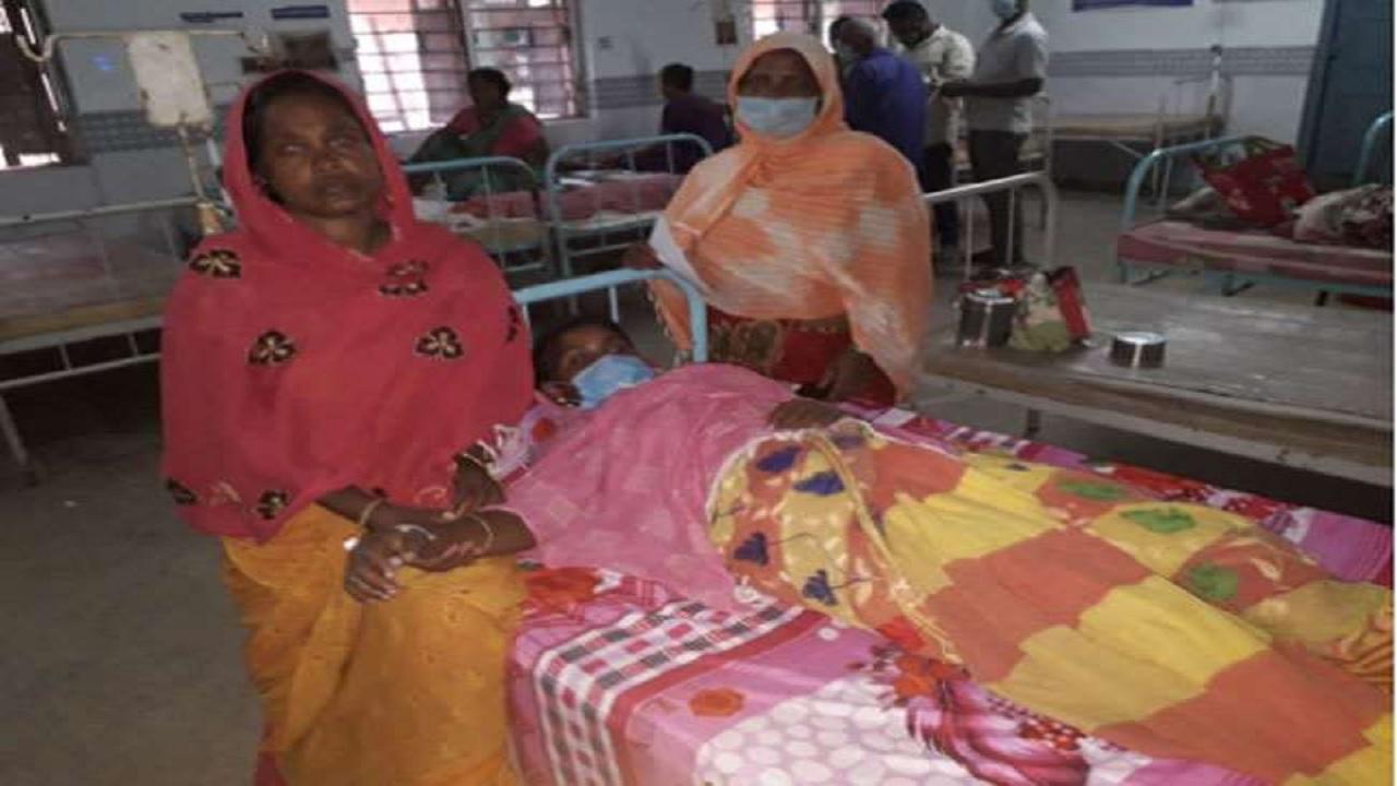 पश्चिम बंगाल: BSF के जवानों ने बॉर्डर एरिया की 2 महिलाओं की बचाई जान, सांप के काटने से बिगड़ गए थे हालात