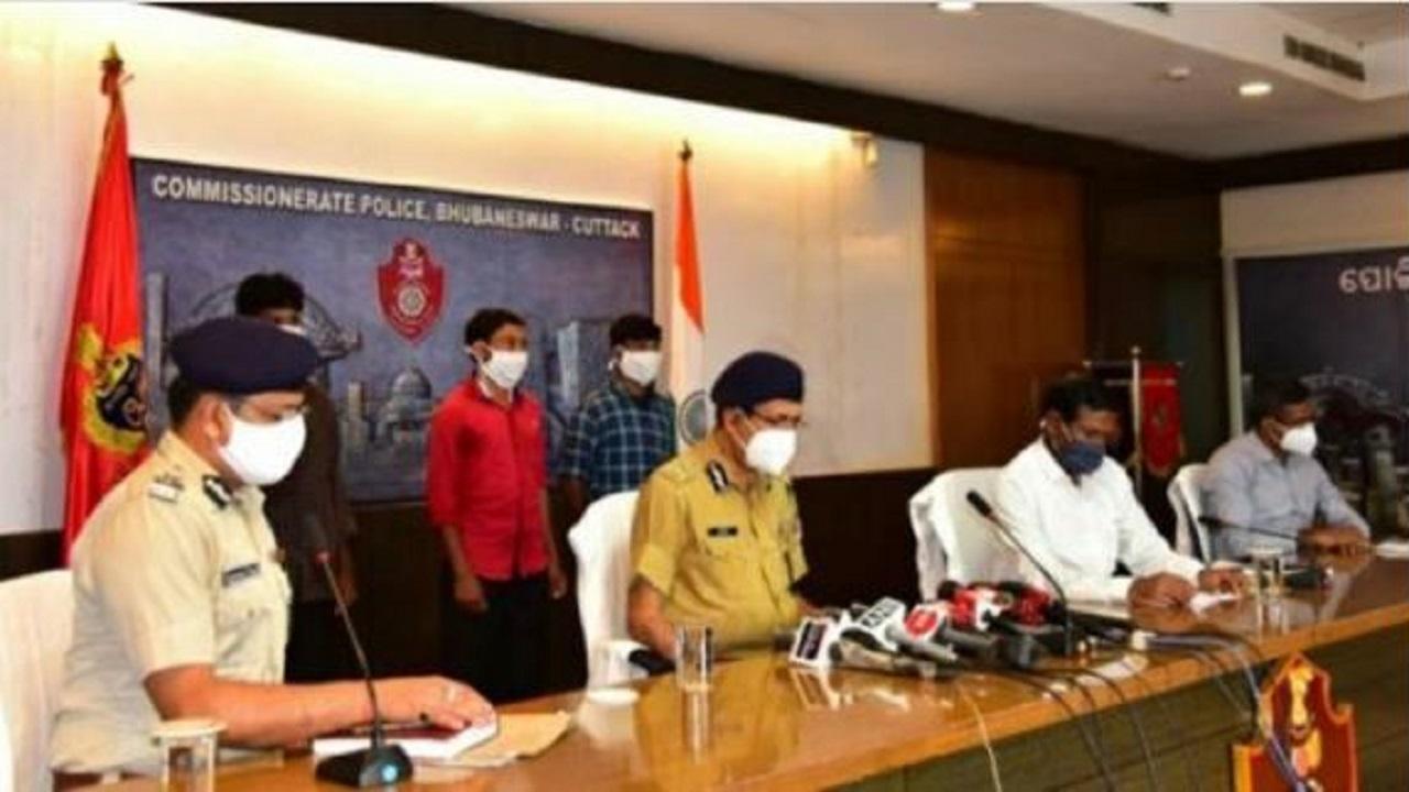 ओडिशा: भाकपा माओवादी के 3 नक्सलियों ने किया सरेंडर, खोली संगठन की पोल
