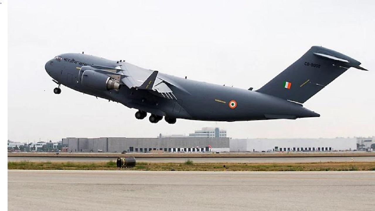 अफगानिस्तान में फंसे भारतीयों के रेस्क्यू के लिए वायुसेना का विमान तैयार, क्लियरेंस मिलने का इंतजार