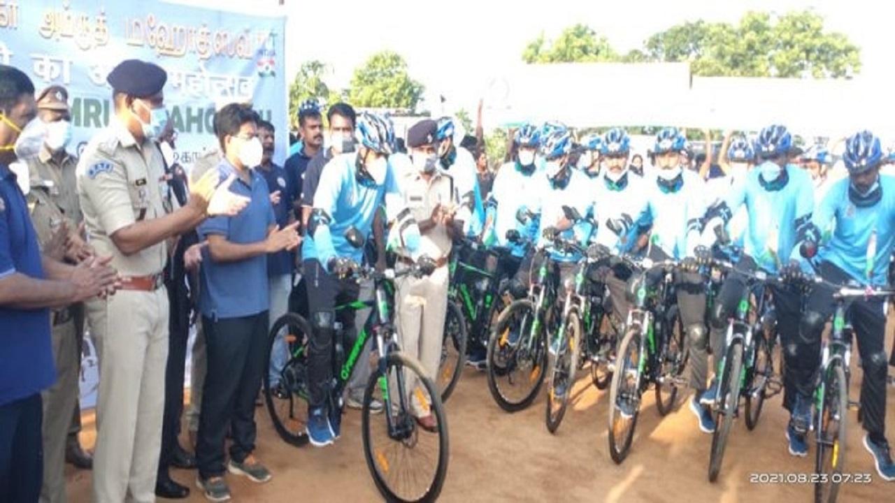 सीआरपीएफ की साइकिल रैली को हरी झंडी दिखाकर किया गया रवाना, कन्याकुमारी से दिल्ली तक तय करेगी 2850 किमी का सफर, देखें PHOTOS