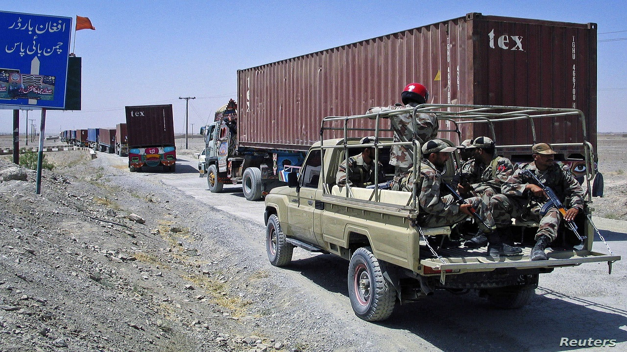 अफगानिस्तान में तबाही मचाकर वापस लौटे पाक आतंकी और हथियार, ISI को तालिबान ने लौटाया हथियार भरे कई ट्रक