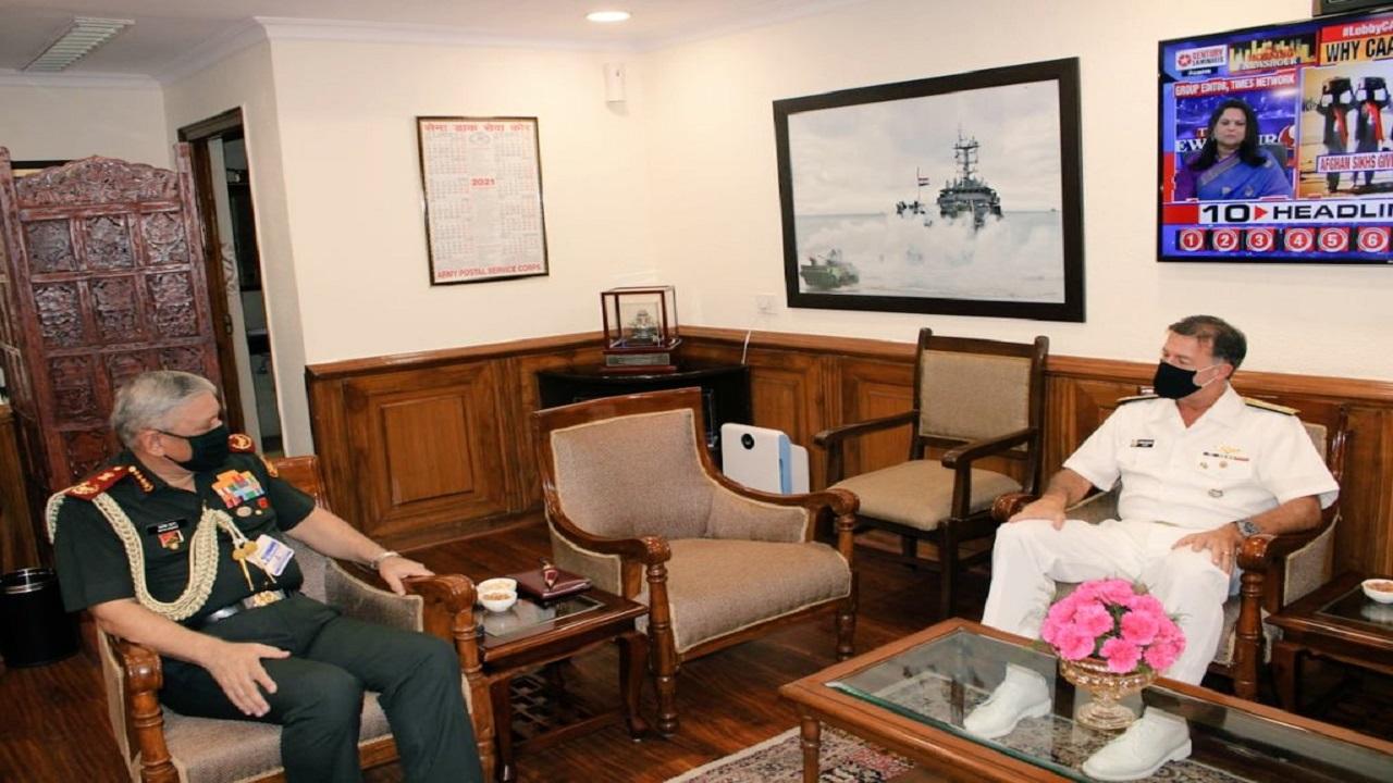 3 दिन के दौरे पर भारत पहुंचे अमेरिकी कमांडर एडमिरल जॉन सी एक्विलिनो, देखें PHOTOS