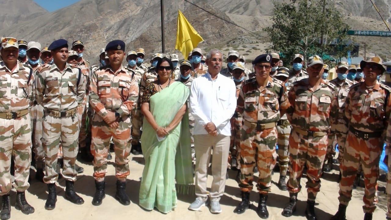 हिमाचल प्रदेश के राज्यपाल राजेन्द्र विश्वनाथ अर्लेकर ने ITBP की चौकियों का दौरा किया, देखें PHOTOS