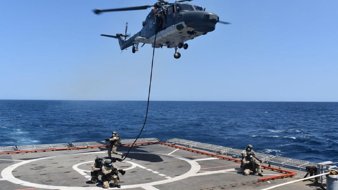 भारत और जर्मनी की नौसेनाओं ने अदन की खाड़ी में किया संयुक्त अभ्यास, देखें PHOTOS