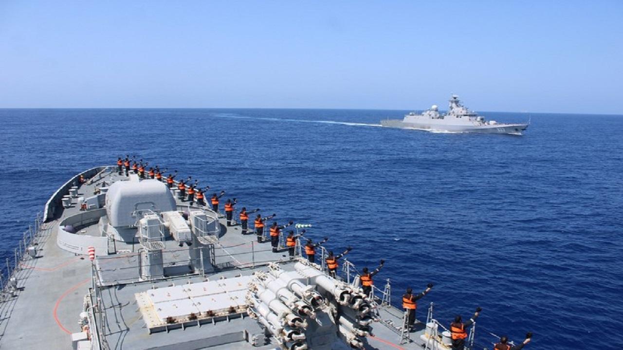 Indian Navy ने अल्जीरियाई नेवी के साथ किया युद्धाभ्यास, देखें PHOTOS