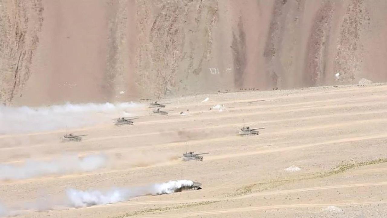 Indian Army के 'स्नो लेपर्ड्स' ने लद्दाख में दिखाया दमखम, 15,000 फीट ऊंचाई वाले इलाके में किया युद्धाभ्यास
