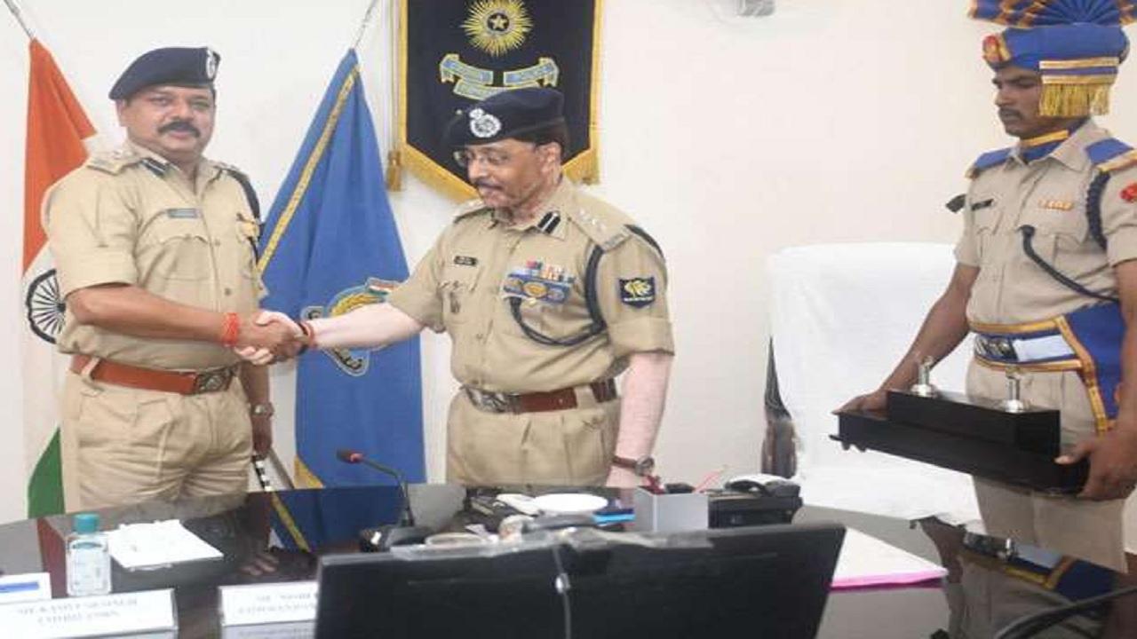 बिहार: कमलेश सिंह ने सीआरपीएफ कमांडेंट के तौर पर लिया चार्ज, दिया ये बयान
