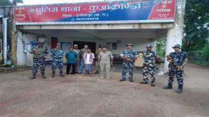 दंतेवाड़ा: सुरक्षाबलों ने 2 इनामी नक्सलियों को दबोचा, IED प्लांट करने और हत्या जैसी संगीन वारदातों में रहे हैं शामिल