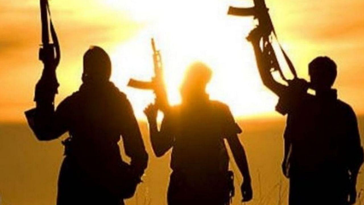 पाक ने अपनाई तालिबानी रणनीति: सीमा पर ISI ने की नये आतंकी कमांडरों की नियुक्ति, सरेंडर करने वाले आतंकी के परिजनों को नहीं मिलेगी मदद