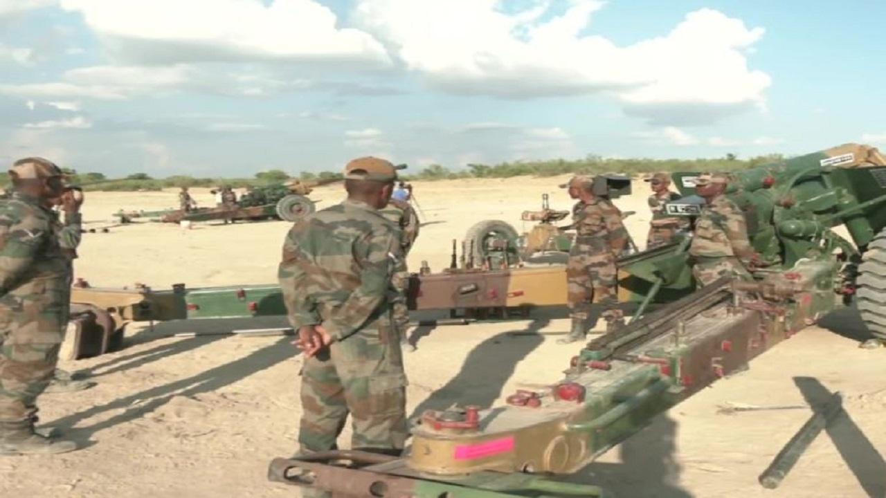 बीकानेर के महाजन फील्ड फायरिंग रेंज में Indian Army का बड़ा युद्धाभ्यास, देखें PHOTOS