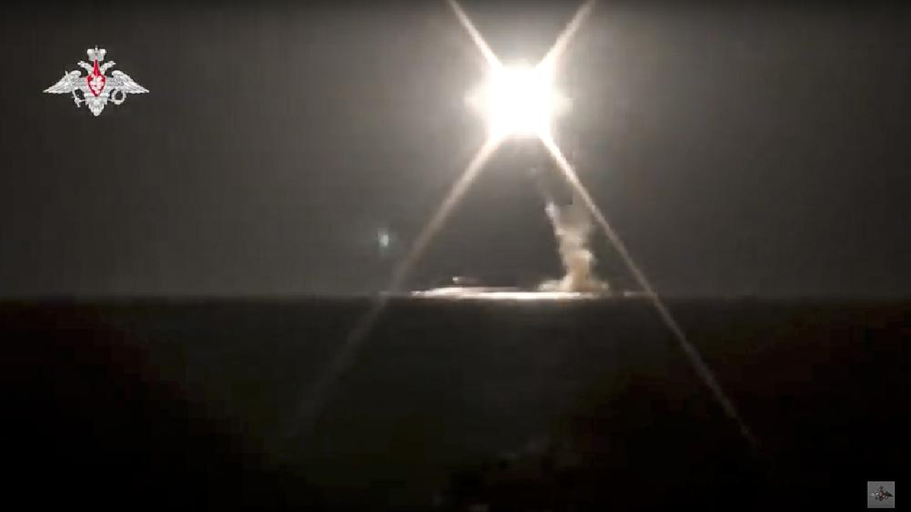रूस के इस चमत्कार से दुनिया हैरान, पहली बार न्यूक्लियर सबमरीन से हाइपरसोनिक क्रूज मिसाइल का सफल परीक्षण